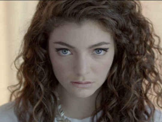 Lorde royals thumbnail.jpg.540x405.compressed